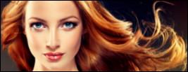 Femme qui suit un CAP coiffure ou un CAP esthétique