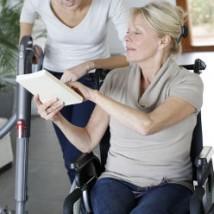 Senior aidée à domicile