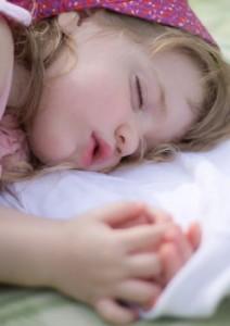 Petite fille qui dort
