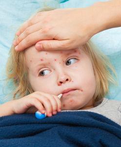 Enfant malade dans son lit