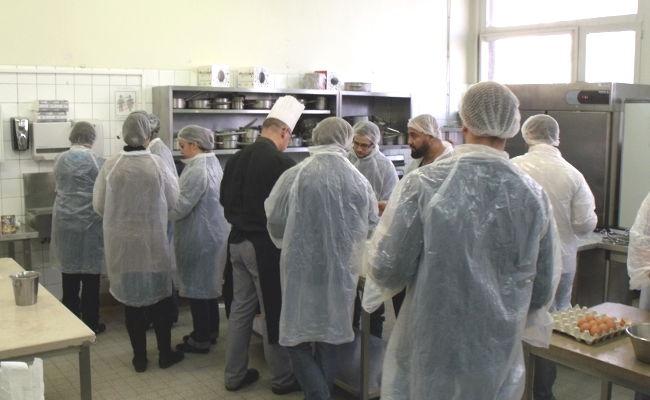Cours de cuisine en compagnie des conseillers d'étude du CEF