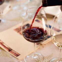 Service verre de vin rouge