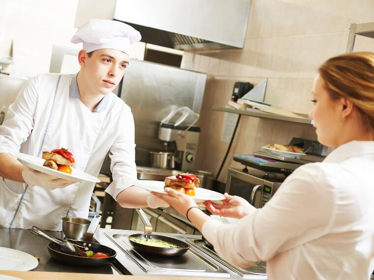 Le m tier de commis de cuisine missions qualit s salaire - Salaire commis de cuisine ...