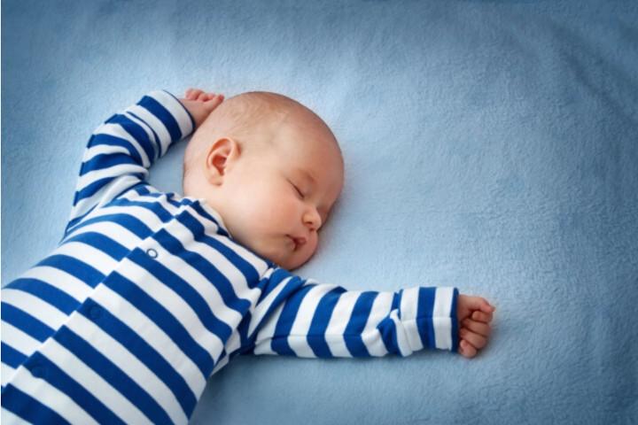 terreurs nocturnes et cauchemars d'un bébé